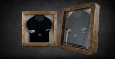 ballon de rugby en cuir personnalisable objet d co et. Black Bedroom Furniture Sets. Home Design Ideas